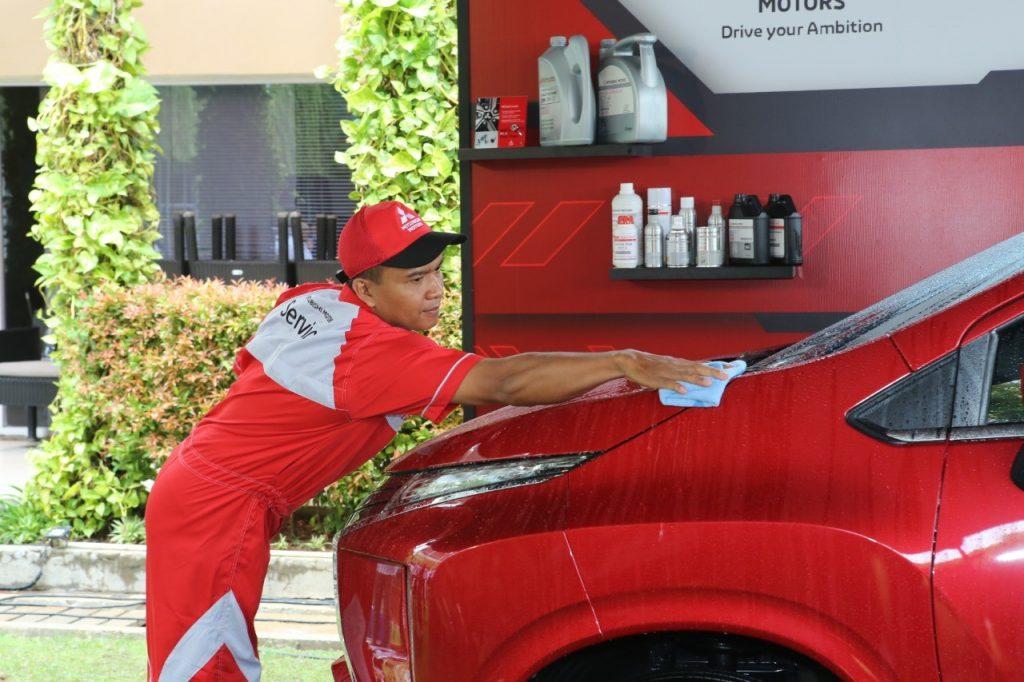 Tips Merawat Bodi dan Kaca Mobil Tetap Kinclong Dengan Cairan Water Repellent